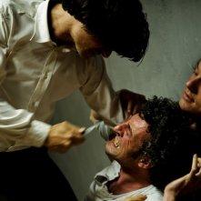 Il Bufalo (Andrea Sartoretti) tenta di uccidere Ricotta (Giorgio Caputo) nel nono episodio di Romanzo Criminale 2