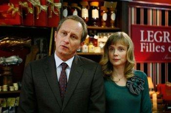 Benoît Poelvoorde e Isabelle Carré nel film Les émotifs anonymes