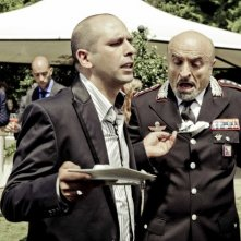 Checco Zalone e Ivano Marescotti in una scena della commedia Che bella giornata