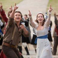 Jason Segel ed Emily Blunt in una scena de I fantastici viaggi di Gulliver in 3D