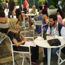 Mehdi Mahdloo e Nahiha Akkari nella commedia Che bella giornata