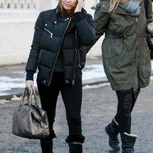 Kylie Minogue esce fuori da casa sua