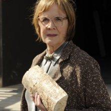Catherine E. Coulson in una scena dell'episodio Dual Spires di Pych, omaggio a Twin Peaks