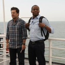 Dulé Hill e James Roday nell'episodio Ferry Tale di Psych