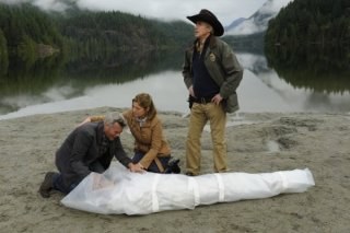 Una scena dell'episodio Dual Spires di Pych, omaggio a Twin Peaks