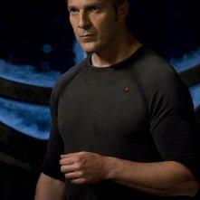 Varro (Mike Dopud) in una sequenza dell'episodio Resurgence di Stargate Universe