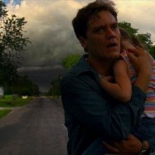 Michael Shannon in una drammatica scena di Take Shelter