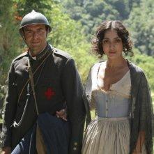 Ambra Angiolini e Neri Marcorè nella miniserie Eroi per caso