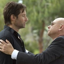 David Duchovny ed Evan Handler nell'episodio Exile on Main St., premiere della stagione 4 di Californication