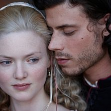Holliday Grainger e Francois Arnaud nella serie The Borgias