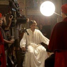 Jeremy Irons sul set della serie The Borgias