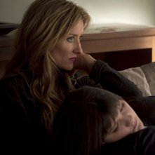 Natascha McElhone e Madeleine Martin nell'episodio Exile on Main St., premiere della stagione 4 di Californication