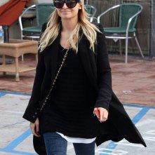Nicole Richie esce da Nails Planet dopo essersi fatta fare le unghie in West Hollywood