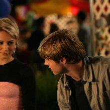 Anna (Samaire Armstrong) e Ryan (Benjamin McKenzie) nell'episodio I sentimenti di The O.C.