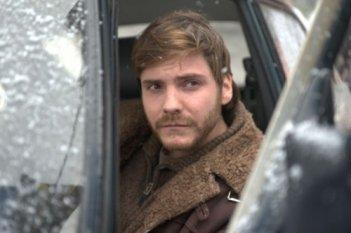 Daniel Brühl in una immagine del film Eva