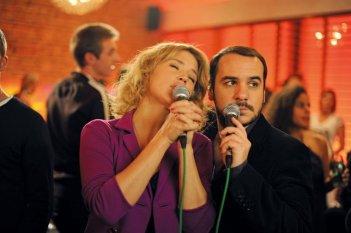 François-Xavier Demaison e Virginie Efira, protagonisti de La chance de ma vie