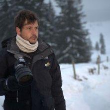 Il regista Kike Maíllo sul set del suo film Eva
