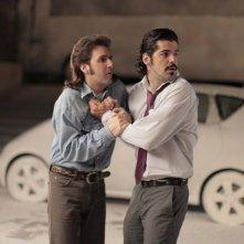 Julián López  con Miguel Ángel Muñoz in una scena del film No controles