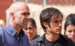 Luis Tosar e Gael García Bernal, protagonisti del film Even the Rain