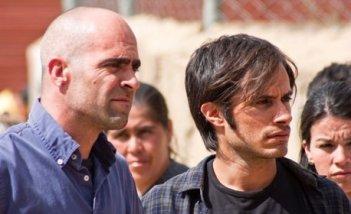 Luis Tosar e Gael García Bernal, protagonisti del film Even the Rain