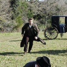 Danilo Brugia in una scena della serie Rossella