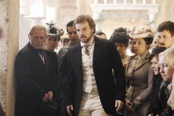 Danilo Brugia in una scena della serie TV Rossella