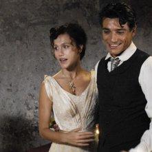 Gabriella Pession e Giuseppe Zeno in una scena della serie Rossella