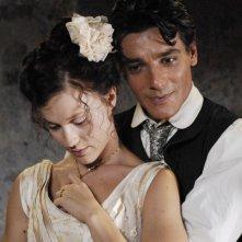 Gabriella Pession e Giuseppe Zeno in una scena della serie TV Rossella