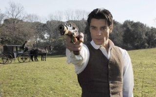 Giuseppe Zeno in una scena della serie Rossella
