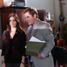 Janet Montgomery e Roger Bart nell'episodio Dead Head di Human Target
