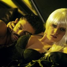 Dominic Cooper a letto con Ludivine Sagnier in una sequenza di Devil's Double