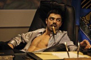 Dominic Cooper in una sequenza di Devil's Double