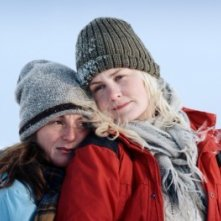 Marte Magnusdotter Solum ed Ellen Dorrit Petersen in Fjellet (The Mountain)