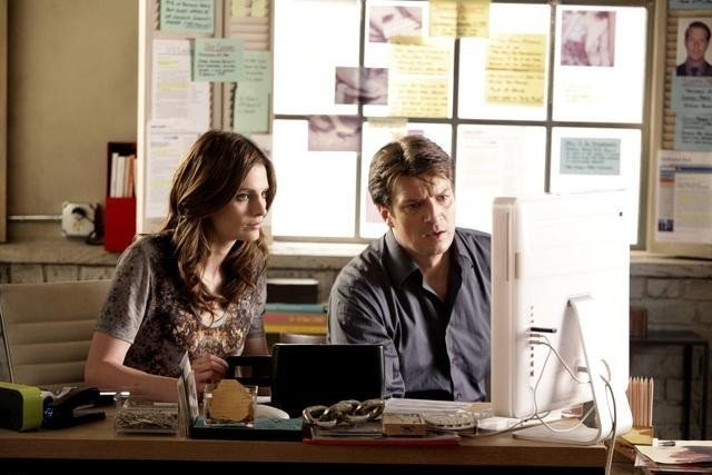 Stana Katic e Nathan Fillion nell'episodio Knockdown di Castle