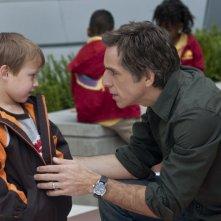 Ben Stiller con il piccolo Colin Baiocchi in una immagine di Vi presento i nostri