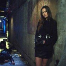 David Lyons e Summer Glau in una scena del pilot della serie The Cape