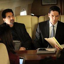 Joe Mantegna e Thomas Gibson nell'episodio Middle Man di Criminal Minds