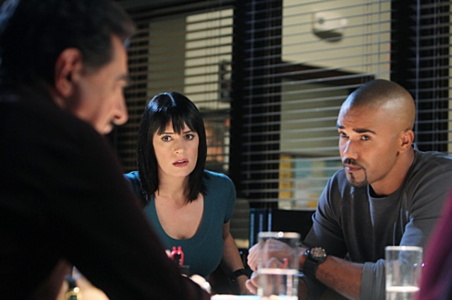 Joe Mantegna Paget Brewster E Shemar Moore Nell Episodio Devil S Night Di Criminal Minds 189048