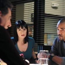Joe Mantegna, Paget Brewster e Shemar Moore nell'episodio Devil's Night di Criminal Minds