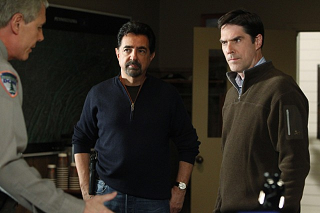 Joe Mantegna Thomas Gibson E John Laughlin Nell Episodio Into The Woods Di Criminal Minds 189037