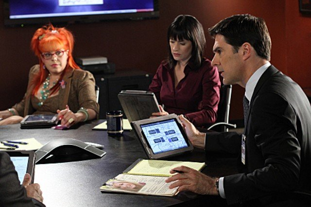 Kirsten Vangsness Paget Brewster E Thomas Gibson Nell Episodio Middle Man Di Criminal Minds 189047