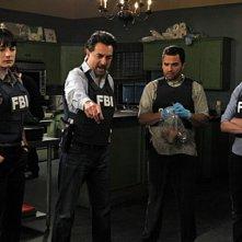 Paget Brewster, Joe Mantegna, Thomas Gibson, Manny Perez e Rachel Nichols nell'episodio Corazon di Criminal Minds