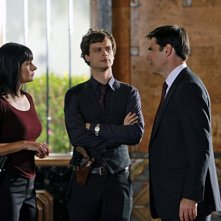 Paget Brewster, Matthew Gray Gubler e Thomas Gibson nell'episodio Reflection of Desire di Criminal Minds
