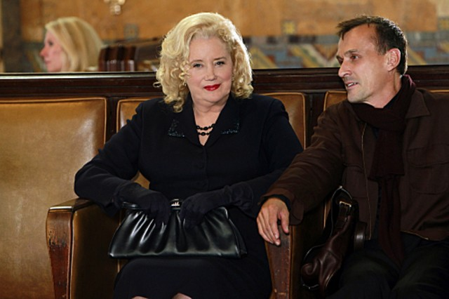 Sally Kirkland E Robert Knepper Nell Episodio Reflection Of Desire Di Criminal Minds 189044