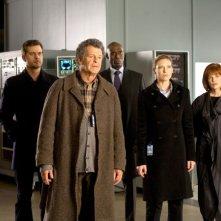 John Noble, Anna Torv, Lance Reddick, Blair Brown e Joshua Jackson nell'episodio Reciprocity di Fringe