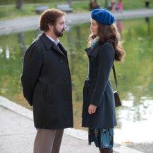 Paul Giamatti in coppia con Rosamund Pike nel film Barney's Version