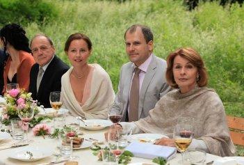 Bruno Ganz e Senta Berger tra Carina Wiese e Thomas Limpinsel nel film Satte Farben vor Schwarz