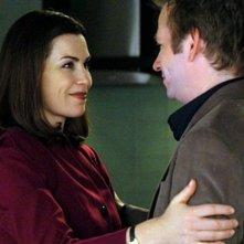Julianna Margulies e Dallas Roberts in una scena dell'episodio Breaking Fast di The Good Wife
