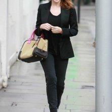 Kylie Minogue mentre lascia la sua casa di West London