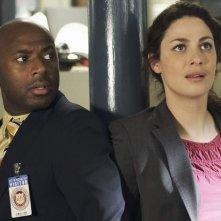 Romany Malco e Joanne Kelly nell'episodio No Ordinary Detention di No Ordinary Family